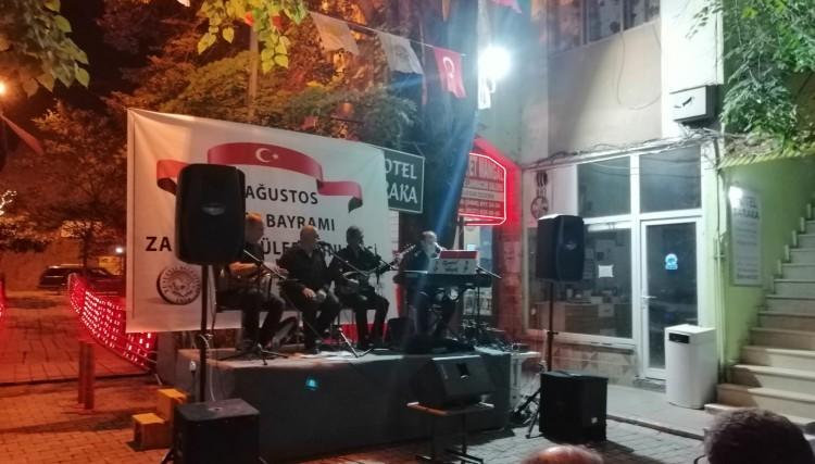 Yusufeli Belediyesi 30 Ağustos Zafer Bayramı etkinlikleri kapsamında Zafer Türküleri Dinletisi düzenledi.