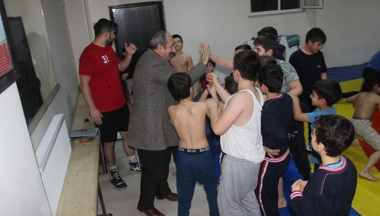 'GENÇLERE DESTEĞİMİZ DEVAM EDECEK'
