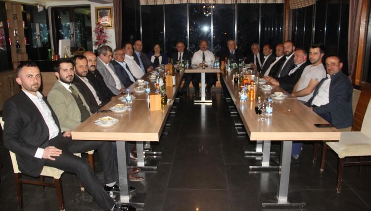 BELEDİYE MECLİS ÜYELERİNE BAŞKAN'DAN HİZMET ONUR BELGESİ