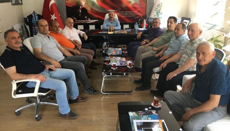 ESKİ BELEDİYE MECLİS ÜYELERİNDEN BAŞKAN'A ZİYARET