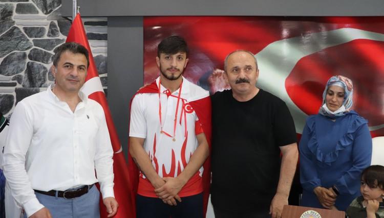 U23 AVRUPA 3.'SÜ ERKAN ERGEN YUSUFELİNDE