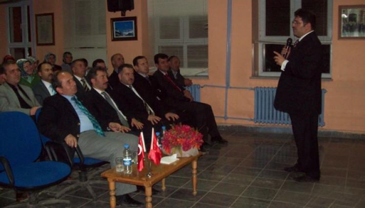 """Yusufeli Belediyesi Tarafından """"İletişim Ve Motivasyon"""" Konulu Konferans Düzenlendi"""