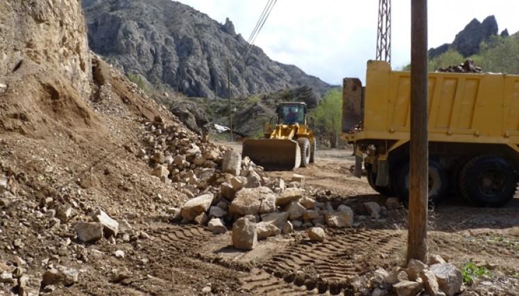 Yusufeli Belediyesi Geleneksel Derekapı Güreşlerine Hazırlanıyor